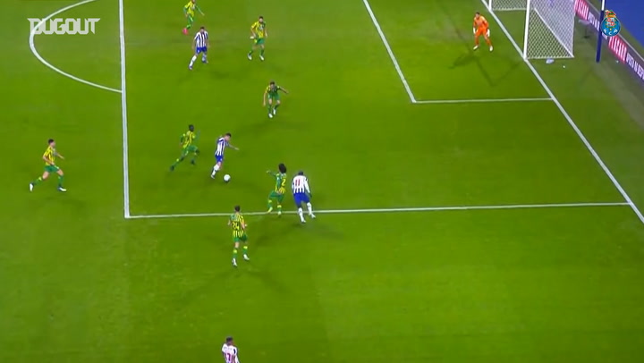 Moussa Marega's great volley vs Tondela