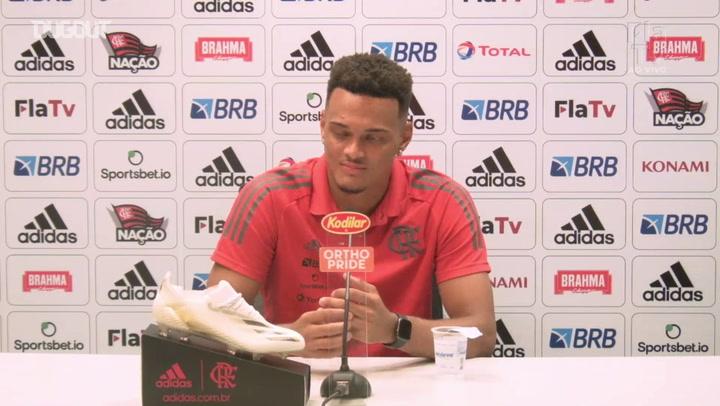 Rodrigo Muniz fala do entrosamento com os companheiros no Flamengo