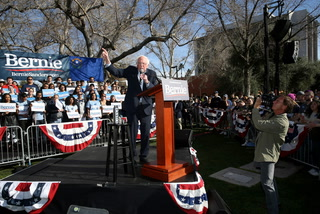 Sanders leads march to polls at UNLV