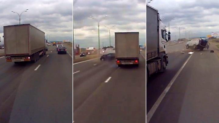 Lastebilsjåføren glemmer å sjekke blindsonen