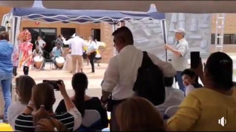 JOH se luce bailando punta en inauguración de Ciudad Mujer