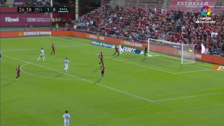 Benzema estrelló en el poste la mejor ocasión del Madrid en Mallorca