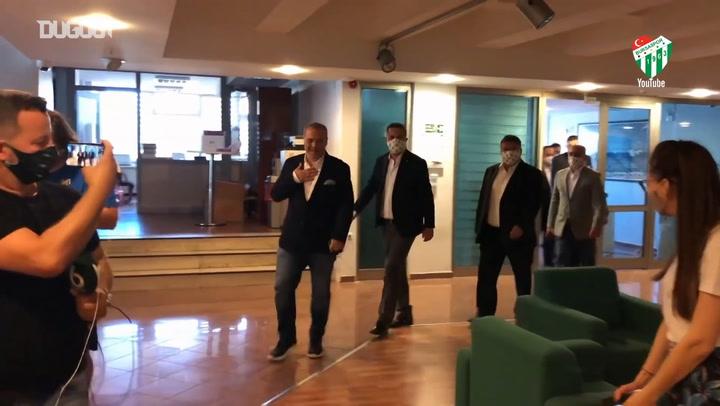 Bursaspor Başkan Adayı Erkan Kamat Listesini Sundu