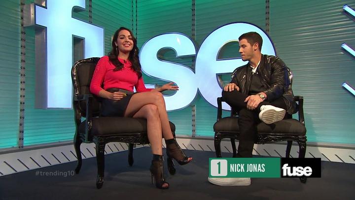 Shows: Trending 10: Nick Jonas Walk-On (9/17/14)