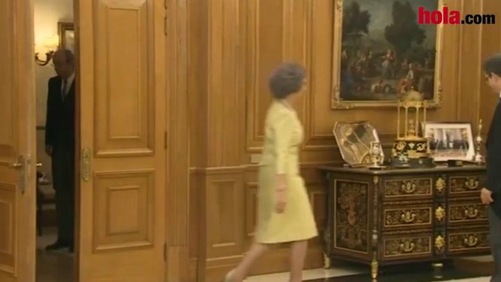 Don Juan Carlos impone su fajín de Capitán General a Felipe VI