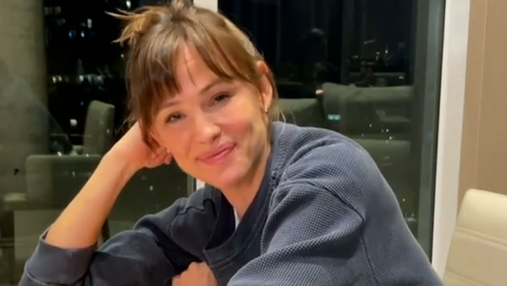 Jennifer Garner shows off impressive kitchen and living room