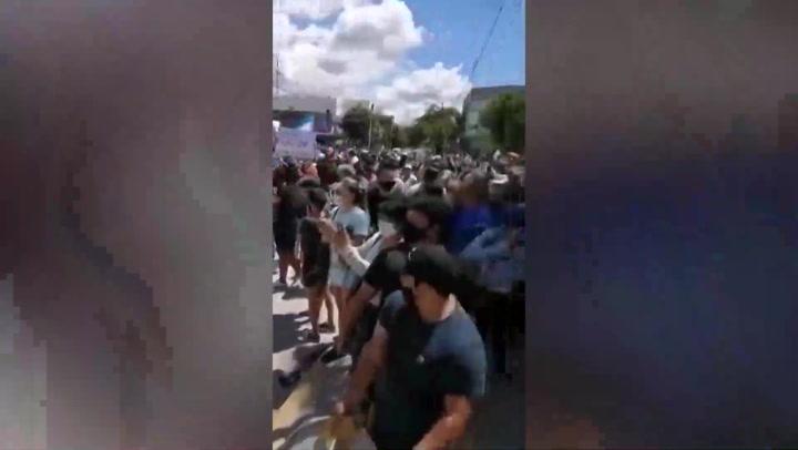 protestas en ciudad argentina por regreso a cuarentena estricta