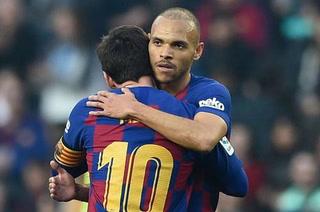 Barcelona negocia el traspaso de Braithwaite con histórico club de la Premier League