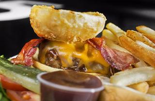 """How Black Tap Makes Their """"Texan Burger"""""""