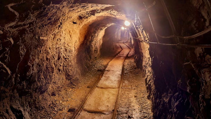 Stratabound Minerals: Taking Advantage of Gold and Copper Opportunities