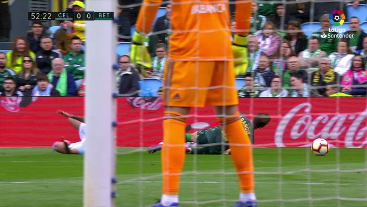 LaLiga: Celta - Betis (0-1). La lesión de Francis (Betis)