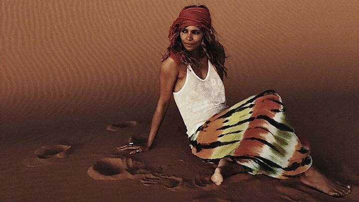 Halle Berry parece revelar con un \'look\' el nombre de su nuevo amor: el cantante Van Hunt