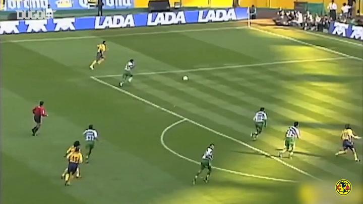 Henry Martín recreates Iván Zamorano's hat-trick in his América debut