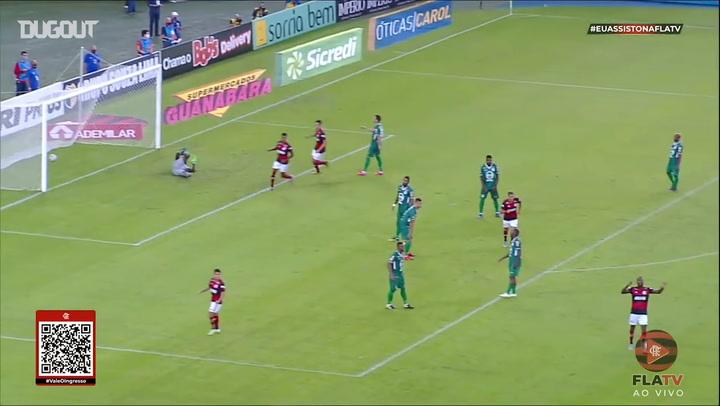 Golaço de Gérson pelo Flamengo contra o Boavista