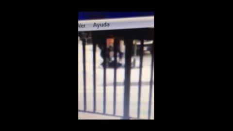 Estremecedor video de un joven que mató a puñaladas a su amigo porque salía con su prima
