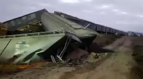 Un tren descarriló al ceder un puente que une Coronda y Arocena