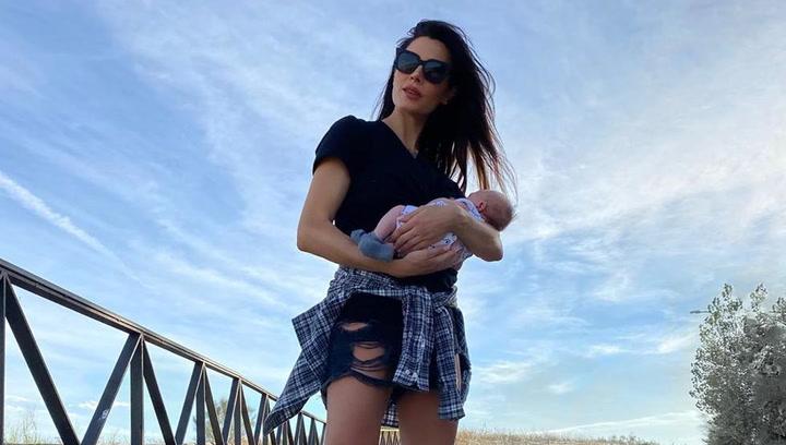 Pilar Rubio comparte su fotografía más 'rockera' junto a su hijo Máximo Adriano