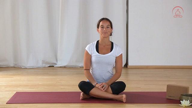 Lockerung von Schulter- und Nackenverspannungen
