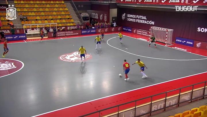 Spain win 2-1 against Brazil in a futsal friendly