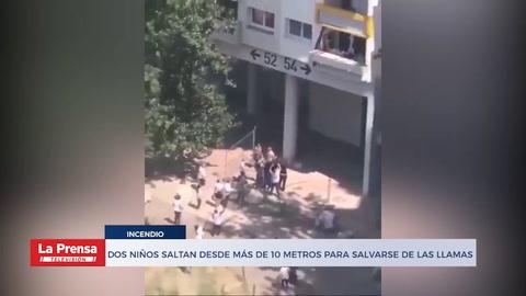 Dos niños saltan desde más de 10 metros para salvarse de las llamas
