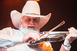 Charlie Daniels, 'Devil Went Down to Georgia' singer, dead at 83 – Video