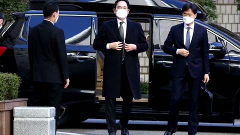 El líder de Samsung no recurrirá la sentencia que lo condena a prisión