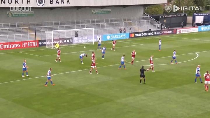 Viv Miedema scores incredible goal to open 2020-21 account