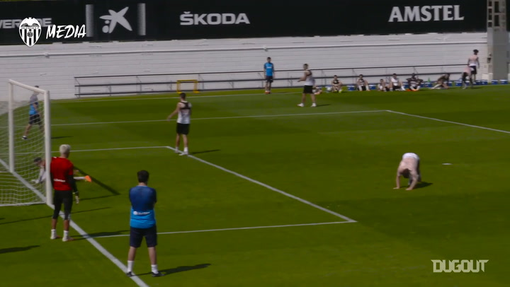 Kevin Gameiro's stunning goal in training
