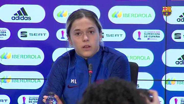 Mapi León, Vicky Losada y Lluis Cortés hablan antes de la semifinal de la Supercopa ante el Atlético