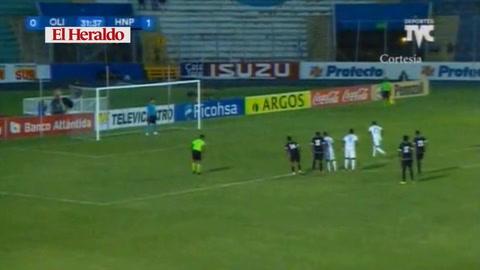 Bengtson castiga de penal a Honduras del Progreso y empata 1-1