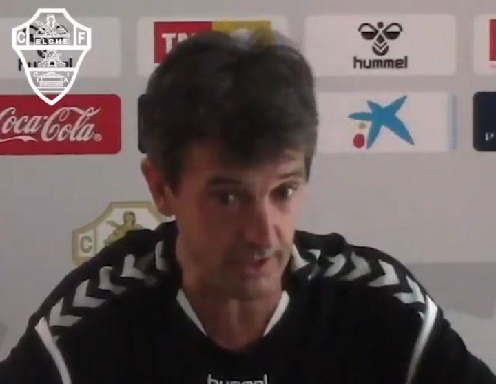 La rueda de prensa de Pacheta, entrenador del Elche, previa al partido contra el Zaragoza
