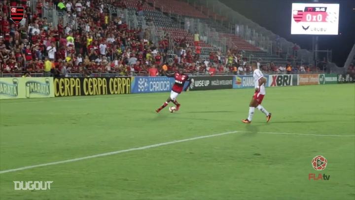 Bàn thắng đầu tiên của Lincoln cho Flamengo