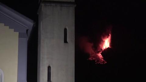 Humo y cenizas en una espectacular nueva erupción del volcán Etna