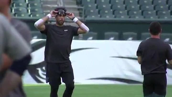 JJ Arcega calienta antes de su debut en la NFL