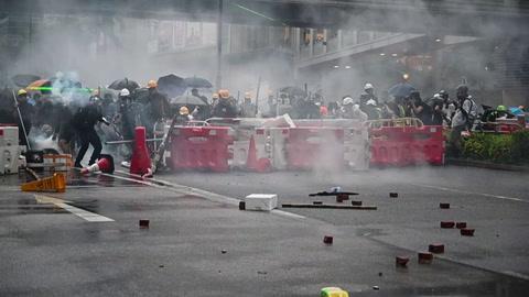 Policía disparó por primera vez en manifestaciones en Hong Kong