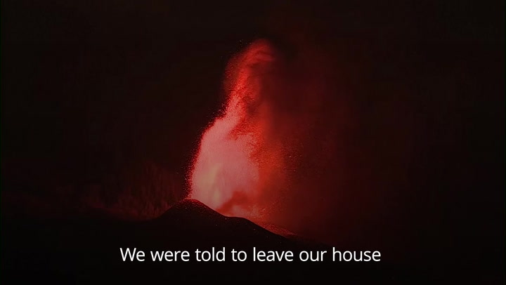 La Palma: Lava from Spanish volcano heads towards the sea