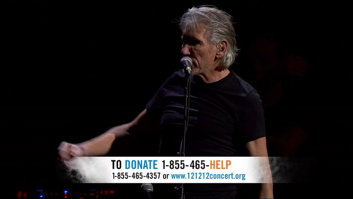 "Shows: 12 12 12 Concert for Sandy: Roger Waters & Eddie Vedder: ""Comfortably Numb"""