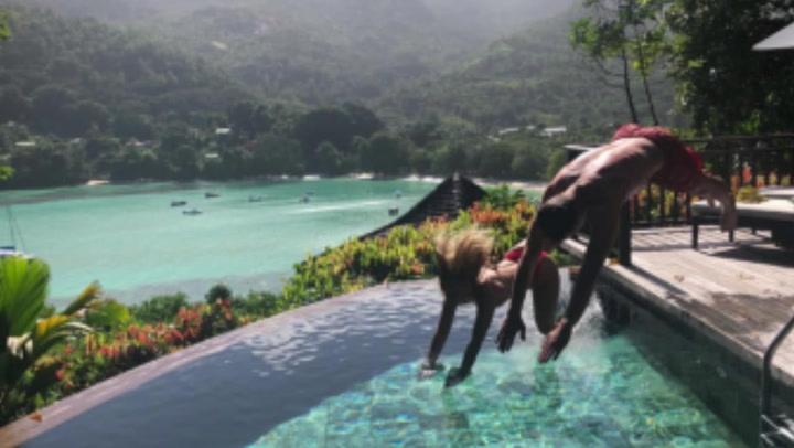 De Jong y su pareja Mikky se relajan en las Seychelles