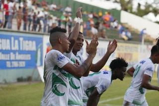 Juticalpa derrota 2 - 1 Vida al término de la primera parte