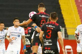 Alex López y Alajuelense cortan racha de victorias con derrota ante Pérez Zeledón ¡con tres jugadores expulsados!