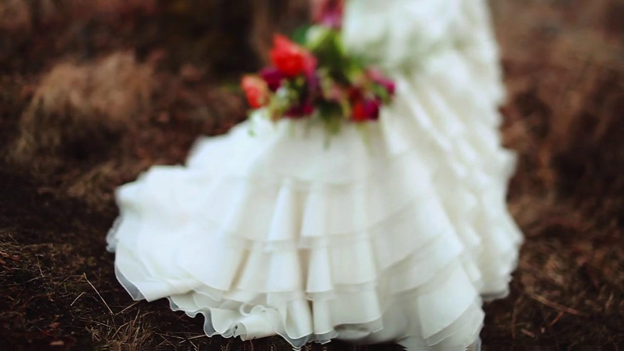 Loose Leaf Weddings + Bateau Bridal  | Anchorage, Alaska | Kincaid Park