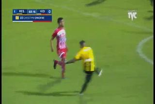 ¡Uffff! Mario Martínez a punto de marcar el que hubiese sido el gol de la jornada