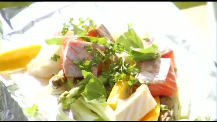 Hvordan lage grillpakker med grønnsaker og fisk