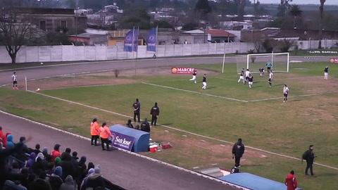 Una feroz pelea opacó el fútbol uruguayo