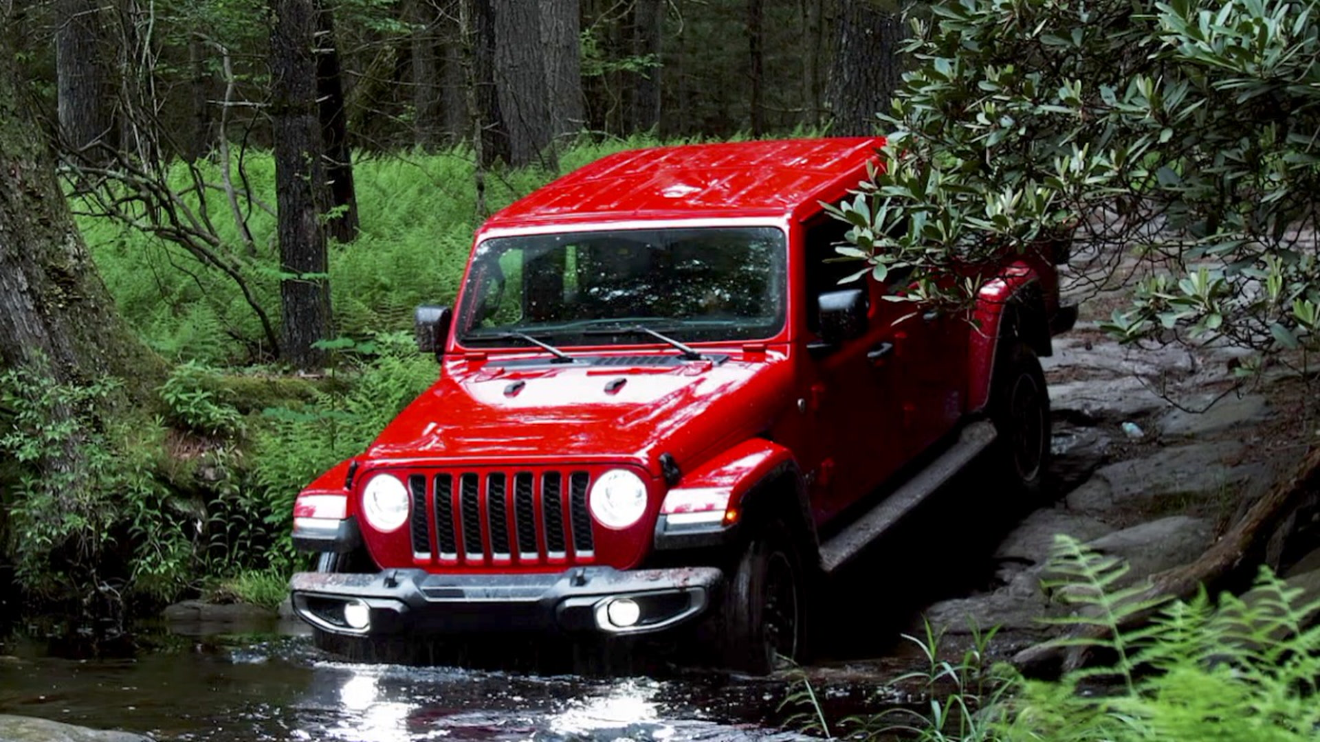 We Go Off-Roading in the All-New Jeep Gladiator Overland Pickup