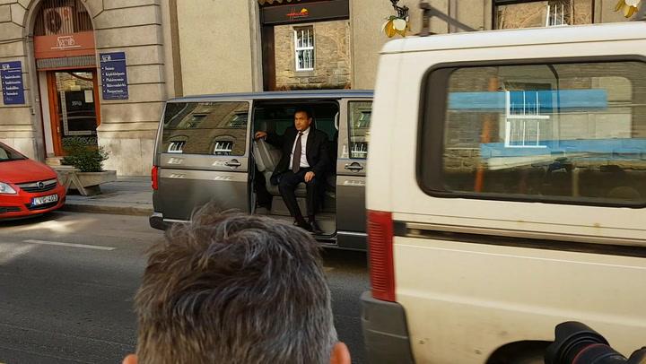 Gyárfás Tamás érkezik a Budai Központi Kerületi Bíróságra
