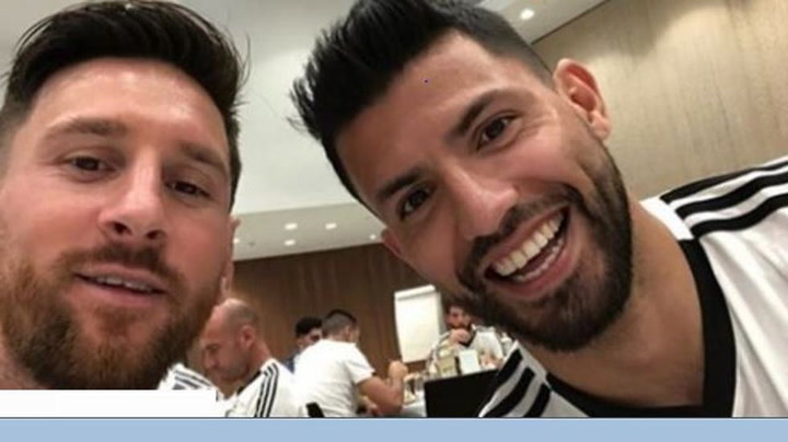 La insólita charla en vivo entre Messi y Agüero