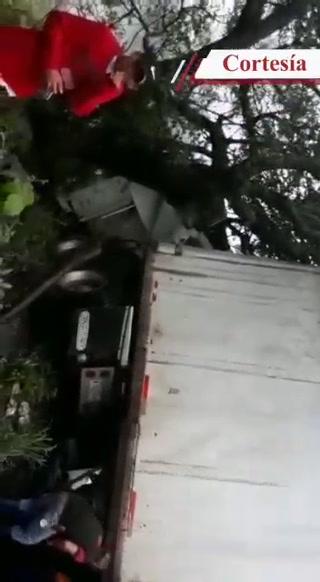 Tres rastras colisionan y dejan interrumpido paso hacia aduana La Fraternidad