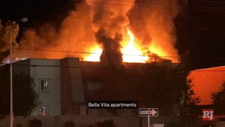 Fire at Bella Vite Apartments in central Las Vegas – VIDEO