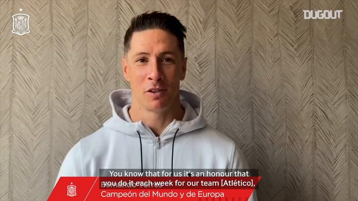 Fernando Torres congratulates Koke for his Spain captaincy